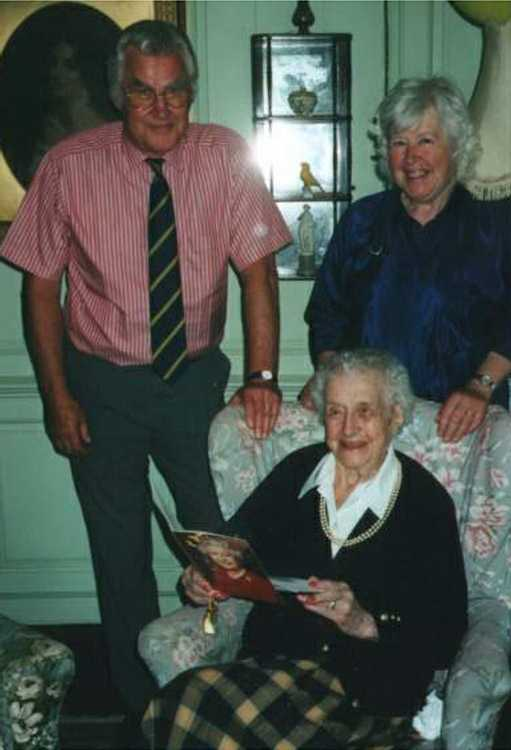 Thomas Robley and Virginia Phipps with their aunt, Mary Ponsonby